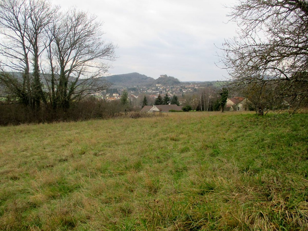 Vue en direction du château depuis le terrain
