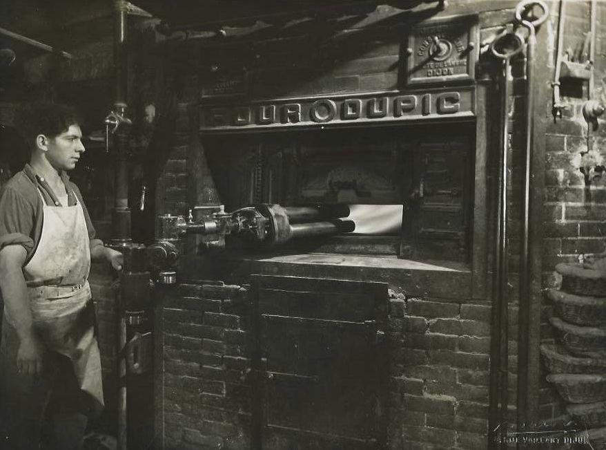 L'une des boulangeries de Mâlain au début du XXème siècle